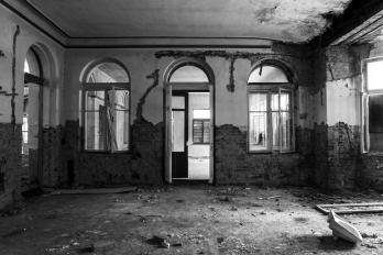 URBEX | Jánské Koupele | Taneční sál - Vchod