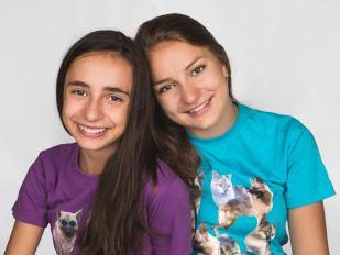Portréty | Děti & Rodinky | Ateliér | Sestry Juli a Vali